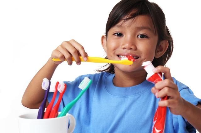 Lebih Baik Mana, Sikat Gigi Sebelum atau Sesudah Sarapan?