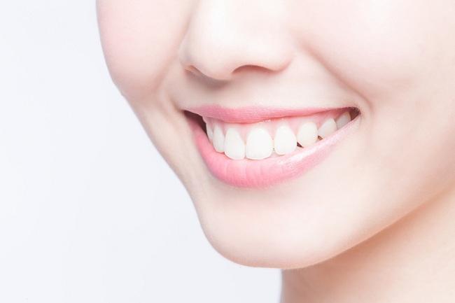 Arang dapat Memutihkan Gigi, Mitos atau Fakta?